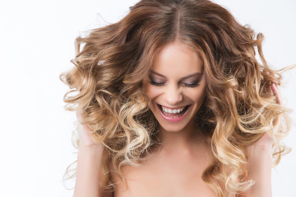 Come fare i capelli mossi senza utilizzare la piastra per for Piastra per capelli mossi