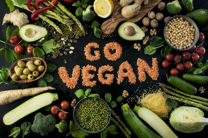 Dieta Vegana: come funziona, quanti chili si perdono e menu di esempio