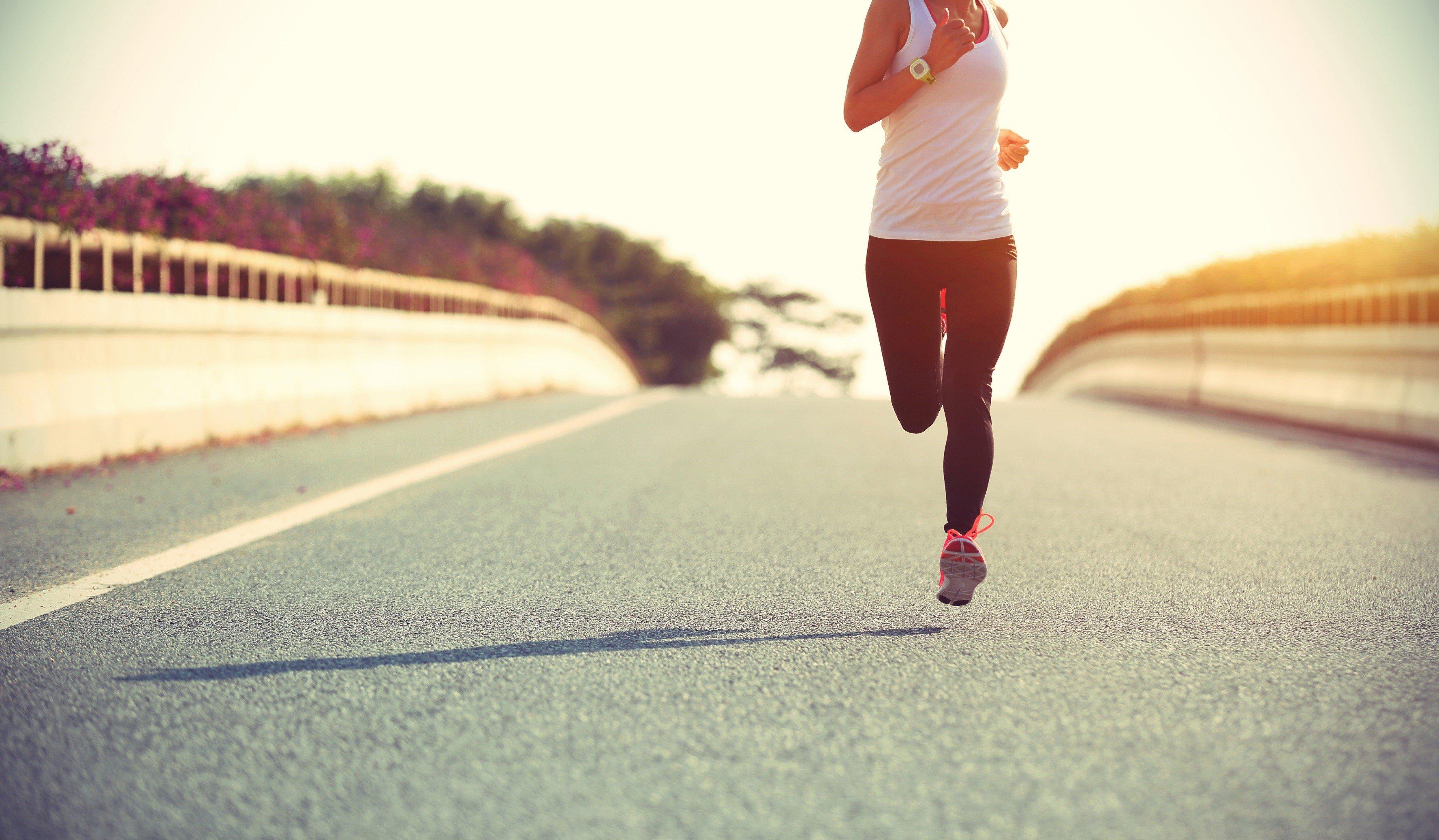 modi per bruciare grassi mentre si camminati