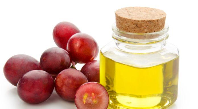 Olio di Vinaccioli: proprietà e utilizzi alimentari e in cosmetica