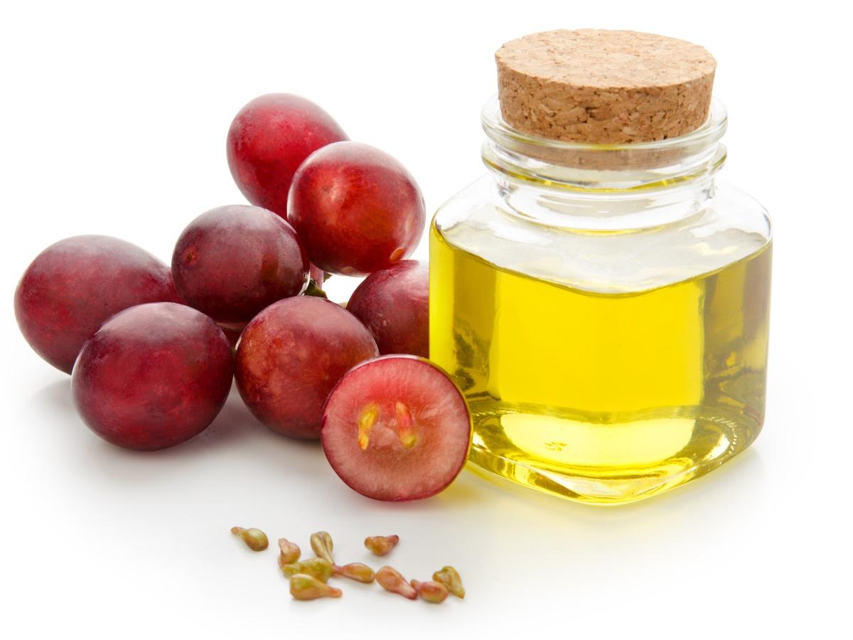 Risultato immagini per vinaccioli olio cosmetici