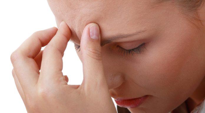 Mal di testa: che cos'è, cause, sintomi e possibili cure
