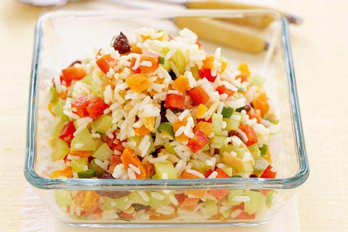 Dieta dell'insalata di riso: come prepararla in maniera dietetica