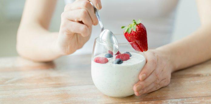 Dieta dello yogurt: come funziona, quanti chili si perdono e menu di esempio