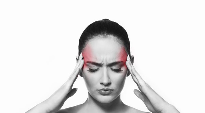 Emicrania: che cos'è, sintomi e differenze con Aurea e senza
