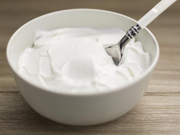 Yogurt: che cos'è, proprietà, tipologie e come farlo in casa