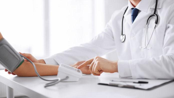 Ipertensione: che cos'è, sintomi, cause, diagnosi e possibili rimedi naturali