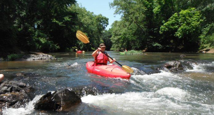 Kayak: che cos'è, benefici, quante calorie si perdono e controindicazioni