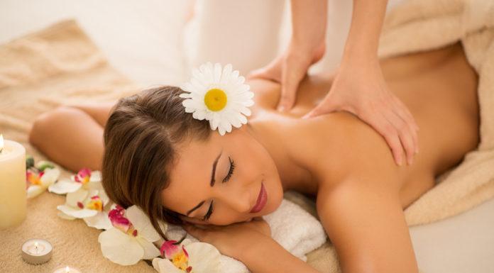 Massaggio Hawaiano Lomi Lomi: che cos'è, come viene praticato, benefici e precauzioni
