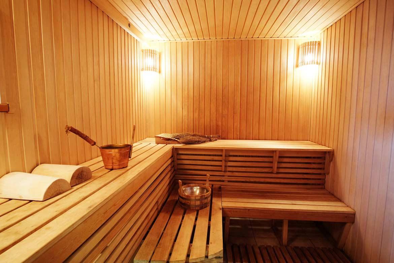 Sauna Benefici Controindicazioni.Sauna Finlandese Che Cos E A Cosa Serve Benefici E