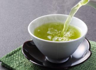 Tè Verde: consumare infusi fa bene alla salute, attenzione se assumete integratori