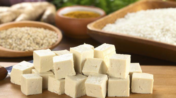Tofu: che cos'è, proprietà, benefici, utilizzi e controindicazioni
