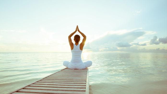 Yoga Integrale: che cos'è, benefici e come si pratica