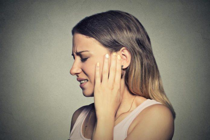 Acufene alle orecchie: che cos'è, cause, sintomi e possibili cure