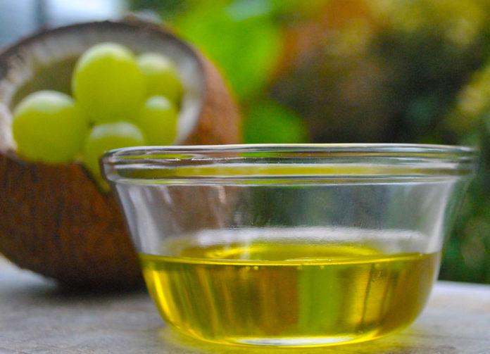 Olio di Marula: che cos'è, proprietà, utilizzi e controindicazioni