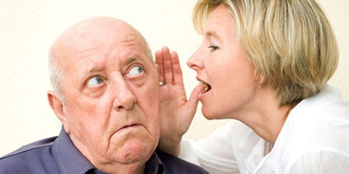 Presbiacusia: che cos'è, sintomi, cause, diagnosi e possibili cure