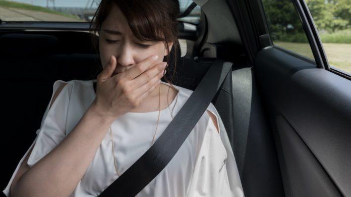 Mal d'Auto: che cos'è, cause, sintomi, diagnosi e possibili cure