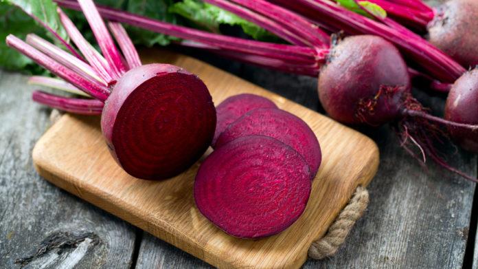 Barbabietola rossa: che cos'è, proprietà, valori nutrizionali e utilizzi