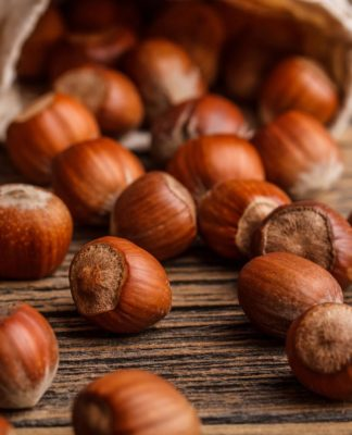 Nocciole: proprietà, benefici, valori nutrizionali e controindicazioni