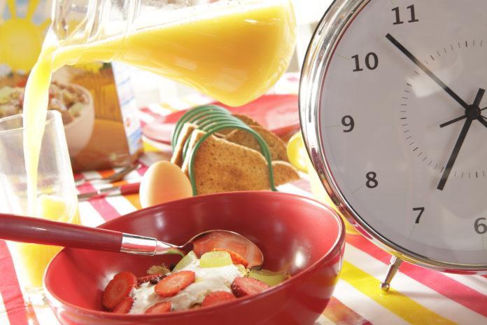 Cronodieta: che cos'è, come funziona, cosa mangiare e controindicazioni