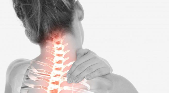 Colpo di Frusta: che cos'è, sintomi, cause, diagnosi e possibili cure