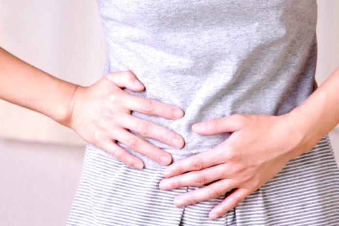 Crampi addominali e alla pancia: cosa sono, sintomi, cause e possibili cure