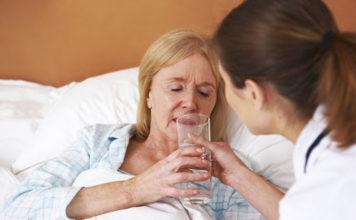 Disidratazione in adulti e bambini: che cos'è, cause, sintomi, diagnosi e possibili cure