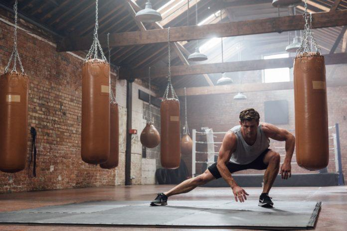 Bodyweight: che cos'è, a cosa serve, esempio allenamento, vantaggi e svantaggi