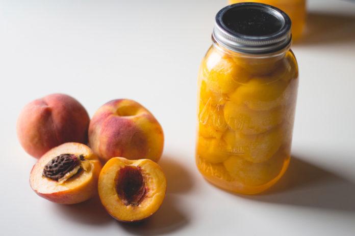 Frutta Sciroppata: che cos'è, valori nutrizionali, utilizzi e controindicazioni