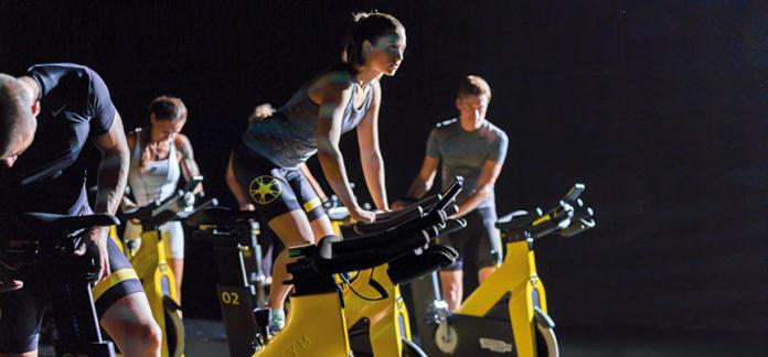 Indoor Cycling: che cos'è, benefici, quante calorie si perdono e controindicazioni