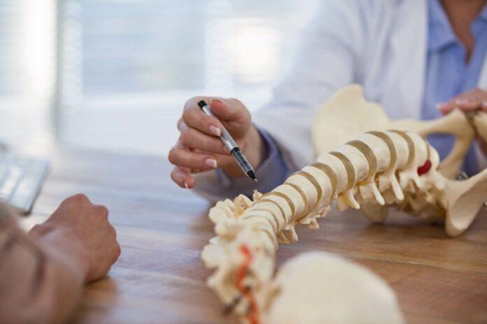 Spondilolistesi: che cos'è, cause, sintomi, diagnosi e possibili cure