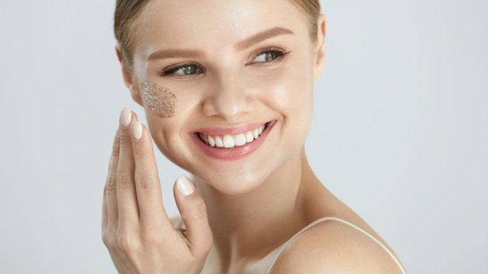 Pelle grassa di viso e corpo (Xerosi): che cos'è, cause, diagnosi e possibili cure