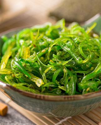 alga-klamat-che-cose-a-cosa-serve-proprieta-utilizzi-e-controindicazioni